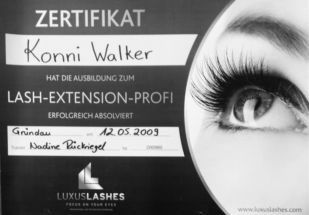 Wimpernverlängerung in Wuppertal - Traum-Wimpern by Konni Walker